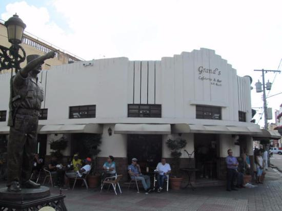 Grands Restaurant-Colonial Zone